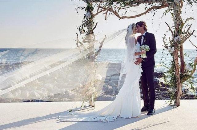Burak Öymen, manken Tereza Maxova ile evlendi