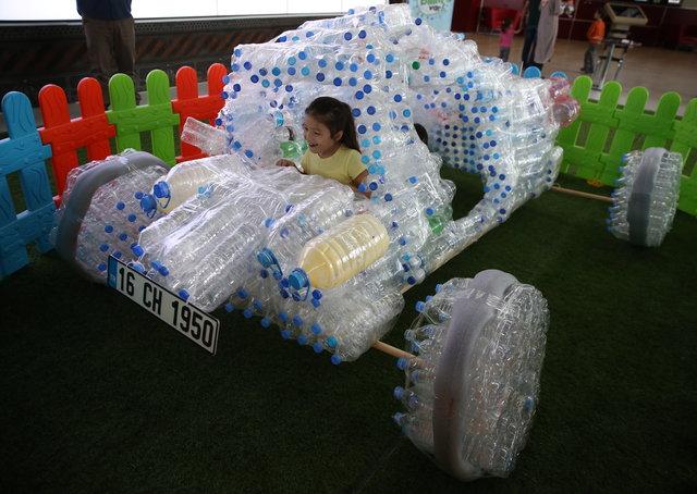 Pet şişelerden otomobil yaptılar