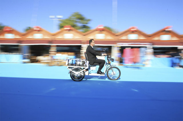 Mahkumlar elektrikli bisiklet üretti