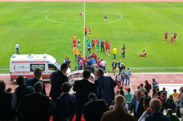 İnegölspor - Hatayspor maçında İnegölspor Yardımcı Antrenörü Eyüp Taş, baygınlık geçirdi