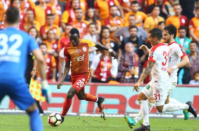 İngiliz ekipleri Tottenham ve Arsenal, Galatasaraylı yıldız Bruma'nın peşinde