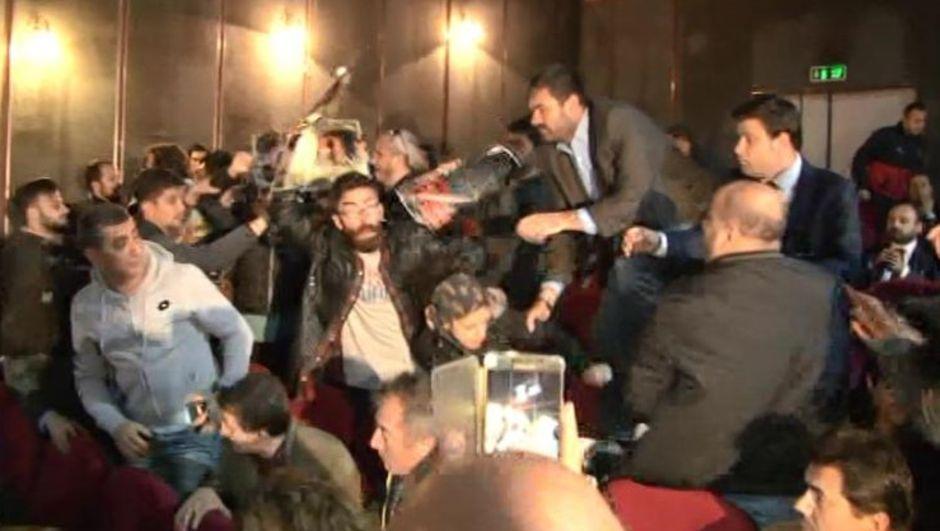 Kemal Kılıçdaroğlu, protesto