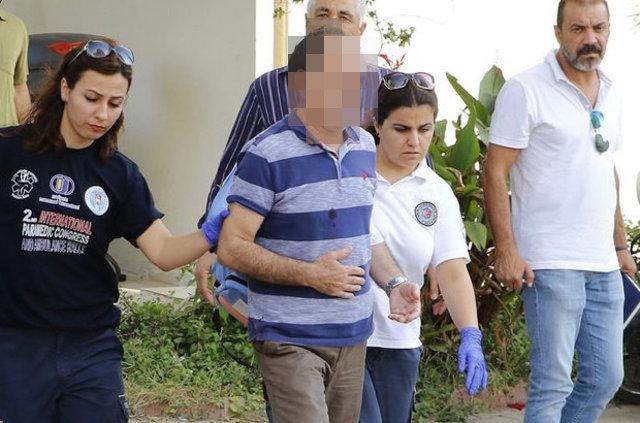 Antalya'da bir şahıs annesini bıçakladı, babasını rehin aldı!