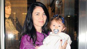 Nefise Karatay, kızı Maya için alışveriş yaptı