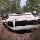 Tekstil işçilerini taşıyan minibüs devrildi: 13 yaralı
