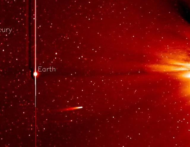 Dünyaya çarpan kuyruklu yıldız