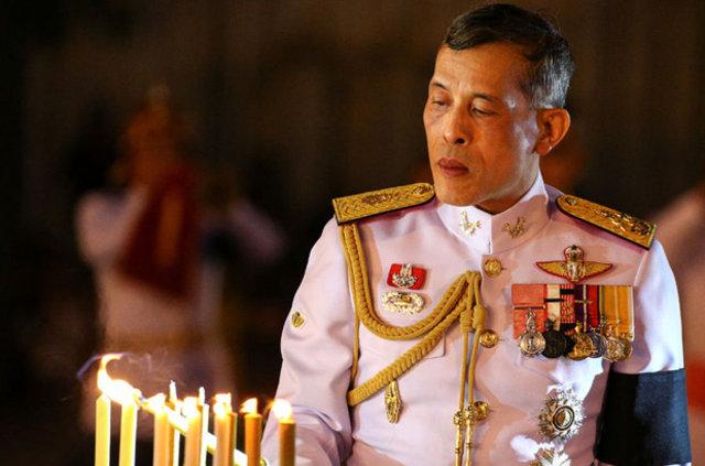 Tayland'ın dövmeli yeni kralı!