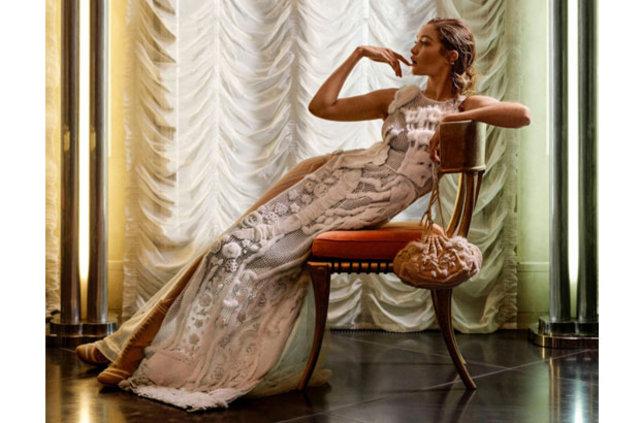 Gigi Hadid'den Fendi ile zarafet dersi