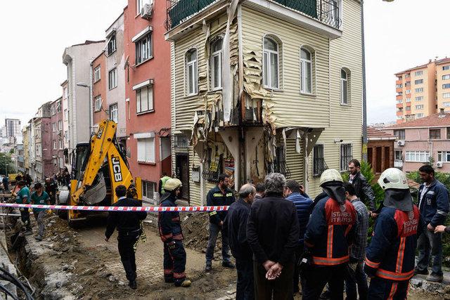 Beşiktaş'da doğalgaz borusu patladı ev alev aldı