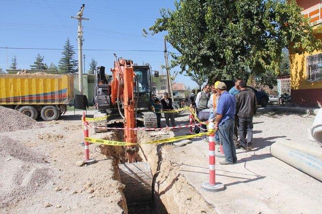 Kanalizasyon çalışmasından tarihi mezar çıktı