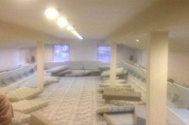 Kapatılan okulun çatı katında özel oda ve salon bulundu