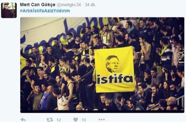 Fenerbahçeli taraftarlar başkan Aziz Yıldırım'a istifa çağrısında bulundu