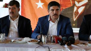 Yasin Aktay: PKK, FETÖ ve DAEŞ aynı amaca hizmet eden haçlı örgütüdür