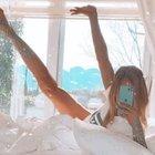 Ünlülerin olay yaratan yatak pozları