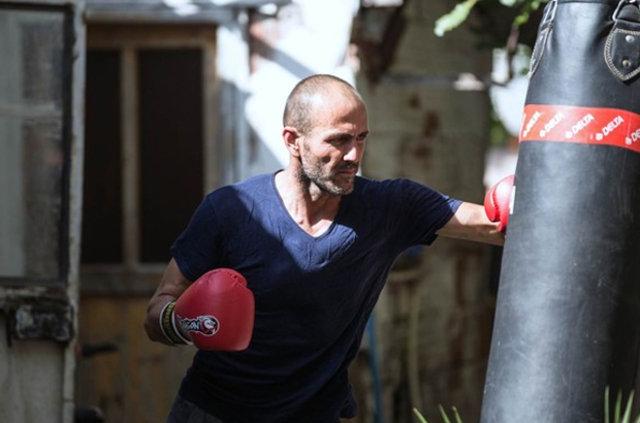 İsmail Yıldırım, aktör Jason Statham'a benzerliğiyle dikkat çekiyor