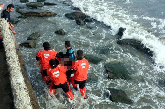 Tekirdağ'da liseli kız dalgalara kapılıp öldü