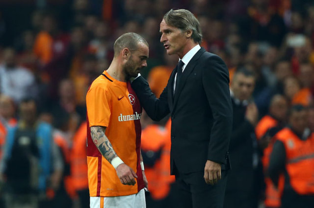 Sneijder, Riekerink'le görüşüp Trabzon maçında görev istedi!