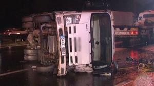 TEM'de kamyon devrildi: 1 ölü