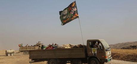 """Peşmerge güçleri ile Irak ordusu arasında """"bayrak"""" krizi"""