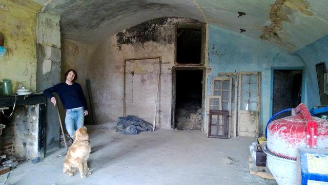 Açık artırma ile sadece 1 euro'ya aldığı evi baştan yarattı!