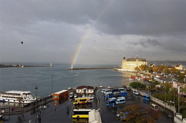 İstanbullulara gökkuşağı sürprizi