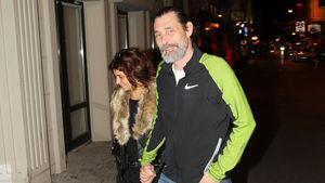 Erdal Beşikçioğlu ve eşi Arnavutköy'deydi
