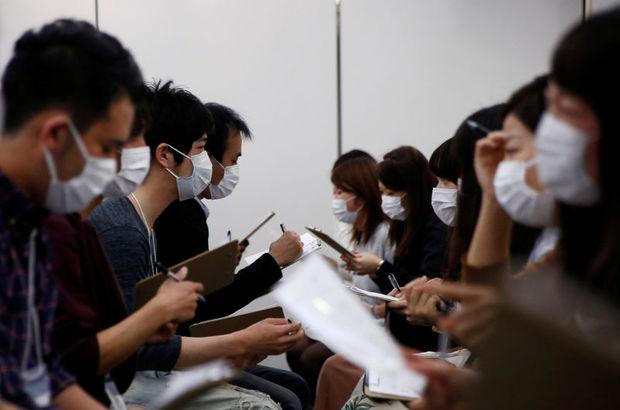 Japonlar bunu da yaptı! Maskeli flört...