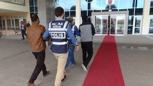 TIR  dorsesine saklanarak Bulgaristan'a giren FETÖ'cüler iade edildi