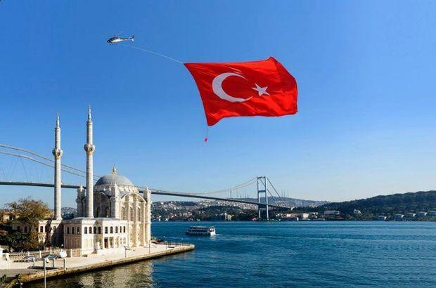 5 basketbol sahası büyüklüğünde Türk bayrağı uçuracaklar