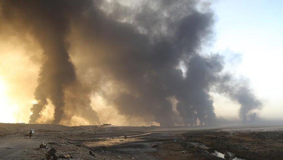 Musul DEAŞ köyleri bombalıyor