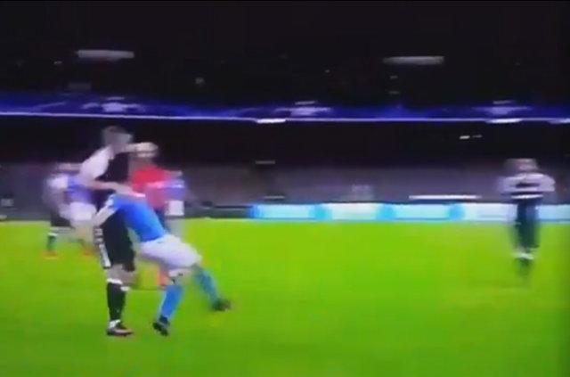 Napoli - Beşiktaş maçındaki penaltı pozisyonları