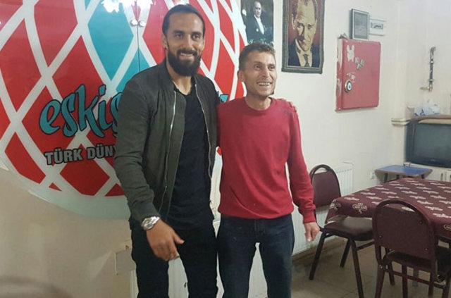 Erkan Zengin'i kahvehanede görünce şaşkına döndüler!