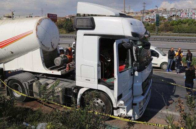 İzmit'te hareket etmediği görülen tankerin sürücüsü ölü bulundu