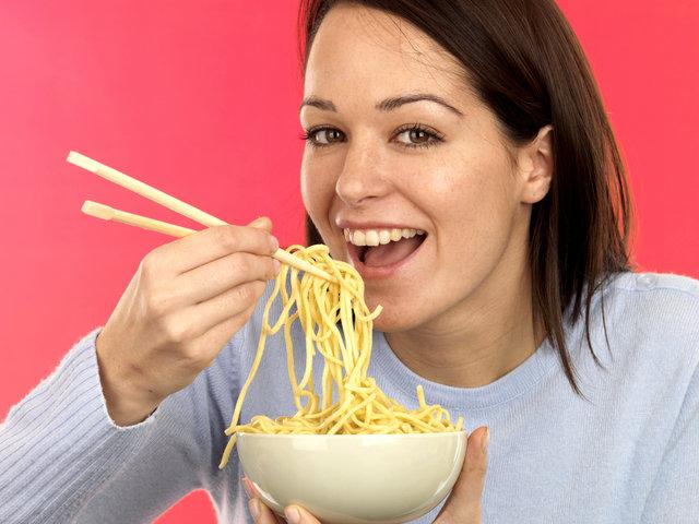Yiyecek porsiyonları büyüdükçe obezite riski artıyor!