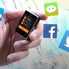 Akıllı telefonlarda devrim! İşte en küçüğü...