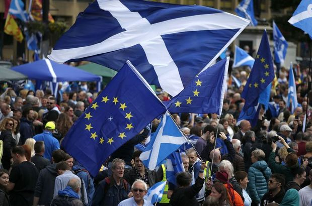 İskoçya bağımsızlık referandumuna bir adım daha yaklaştı