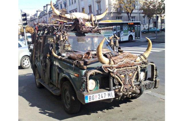 Otomobil sahipleri yaratıcılığın sınırlarını zorluyor