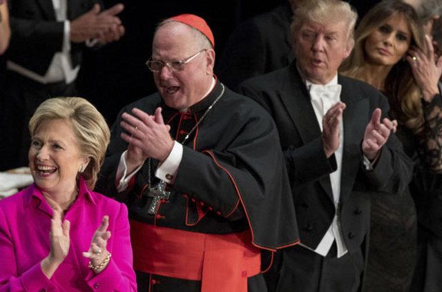 Trump ile Clinton bu kez esprili dille birbirine yüklendi