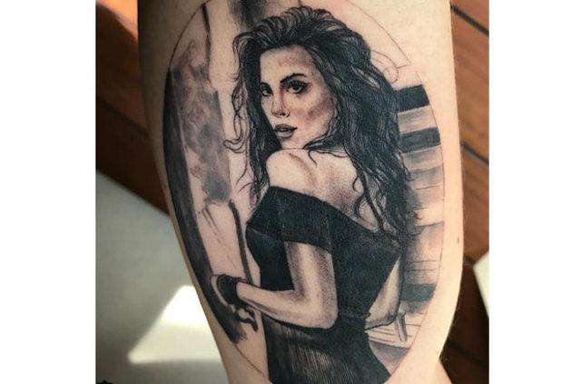 Caner Erkin'den Şükran Ovalı dövmesi! Sevgilisinin silüetini koluna dövme yaptırdı