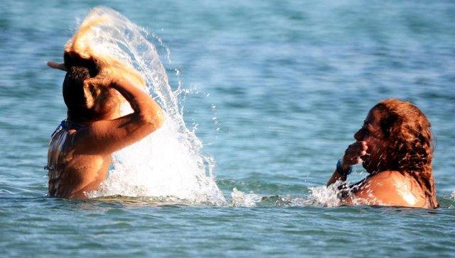 Antalya'da ve Bodrum'da hava sıcaklığı 26 derece, plajlar dolu