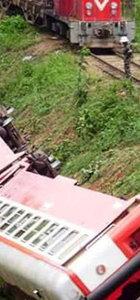 Kamerun'da tren raydan çıktı: 53 ölü