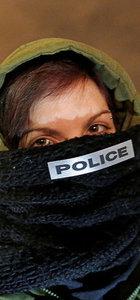Fransa'da polis yüzünü kapattı, sokağa çıktı!