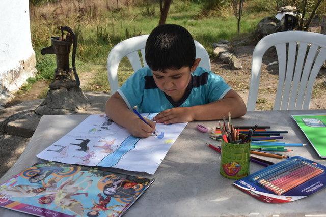 Cam kemik hastası Hüseyin'in okuma azmi