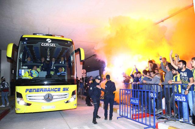 Konya'da Aziz Yıldırım'a protesto