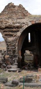 Ortaçağ'ın hoşgörü kenti Ani ziyaretçilerini büyülüyor