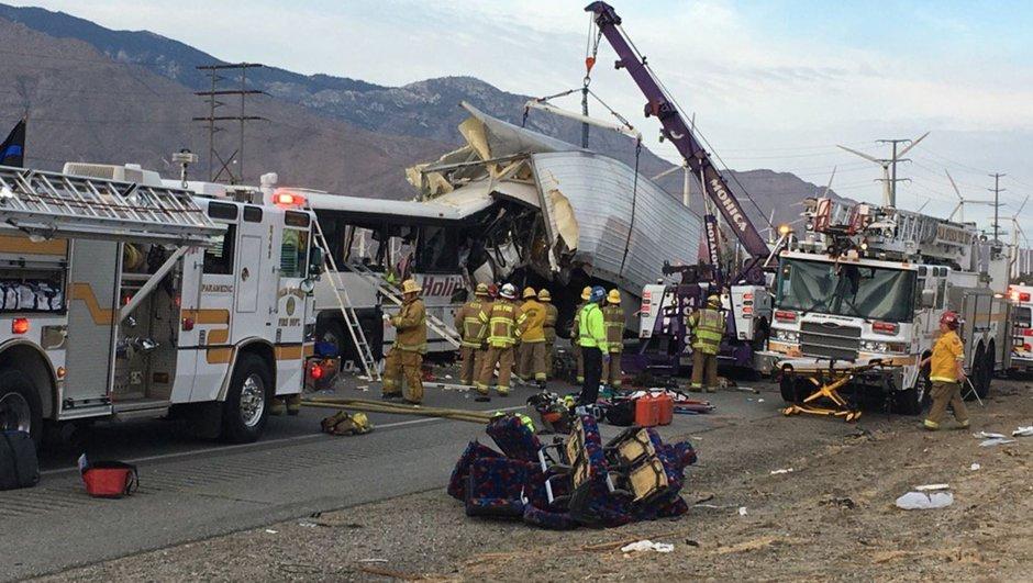 ABD trafik kazası TIR tur otobüsü