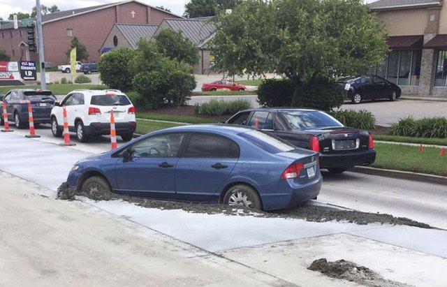 Görenleri şaşkına çeviren araç kazaları