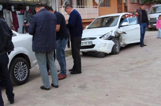 Gelin arabası takla attı: 4 yaralı