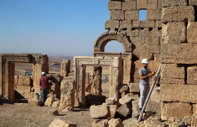 Zerzevan Kalesi'nde bin 500 yıllık yeraltı sığınağı bulundu