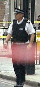"""Londra'da """"benzin"""" şüphelisi gözaltına alındı"""